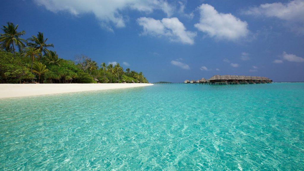 Die blaue Lagune des Kanuhara Island Resorts